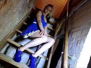 Ich Pinkel von der Kellertreppe