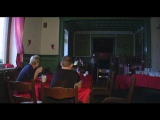 Kreuz und Quer im Restaurant gefickt