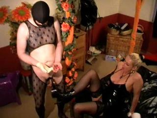 CBT Schwanz Tortour Sack Klammern Heels - Domina Sklave BDSM